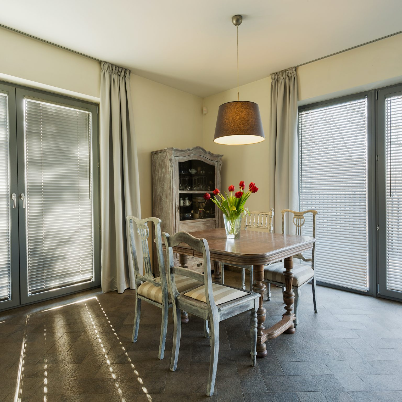 alühome french residential doors with blinds